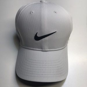 NIKE Mens White / Black Baseball Hat